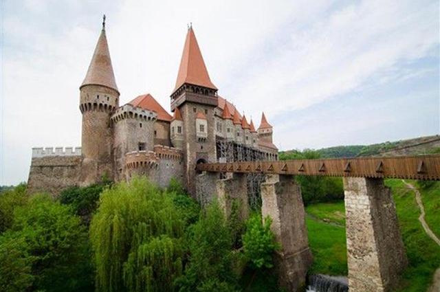 D4Corvin城堡.jpg